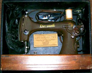 Vintage Cromwell Reverse Sewing Machine W/original Case & Sews Leather - Canvas photo