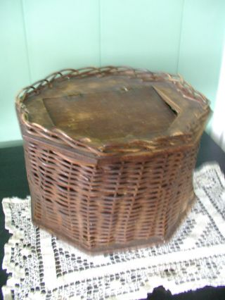 Vintage 1900 S Antique Old Wicker Sewing Box With Wooden Bottom And Hanged Lid photo