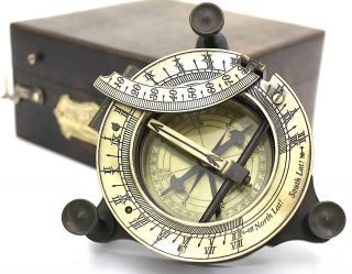 Hatton Garden Sundial Compass W Box - Maritime Pocket Sundial Compass With Box photo