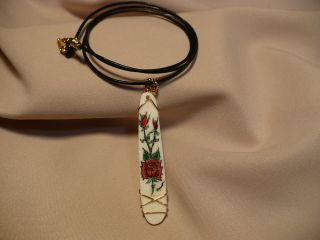 Scrimshaw Cow Bone Pendant Red Roses photo