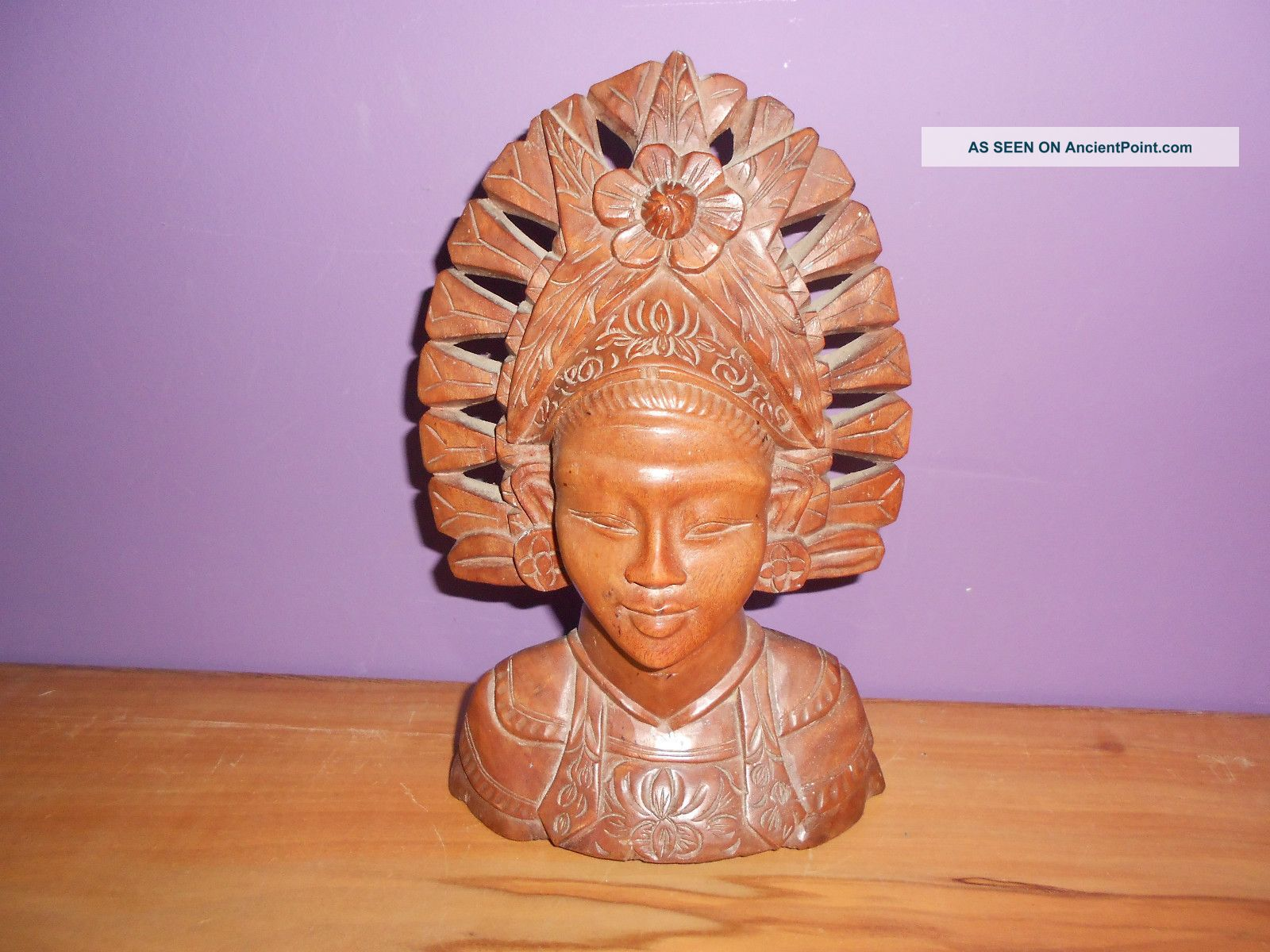 Balinese? Carved Wooden Bust,  Light Hardwood.  9