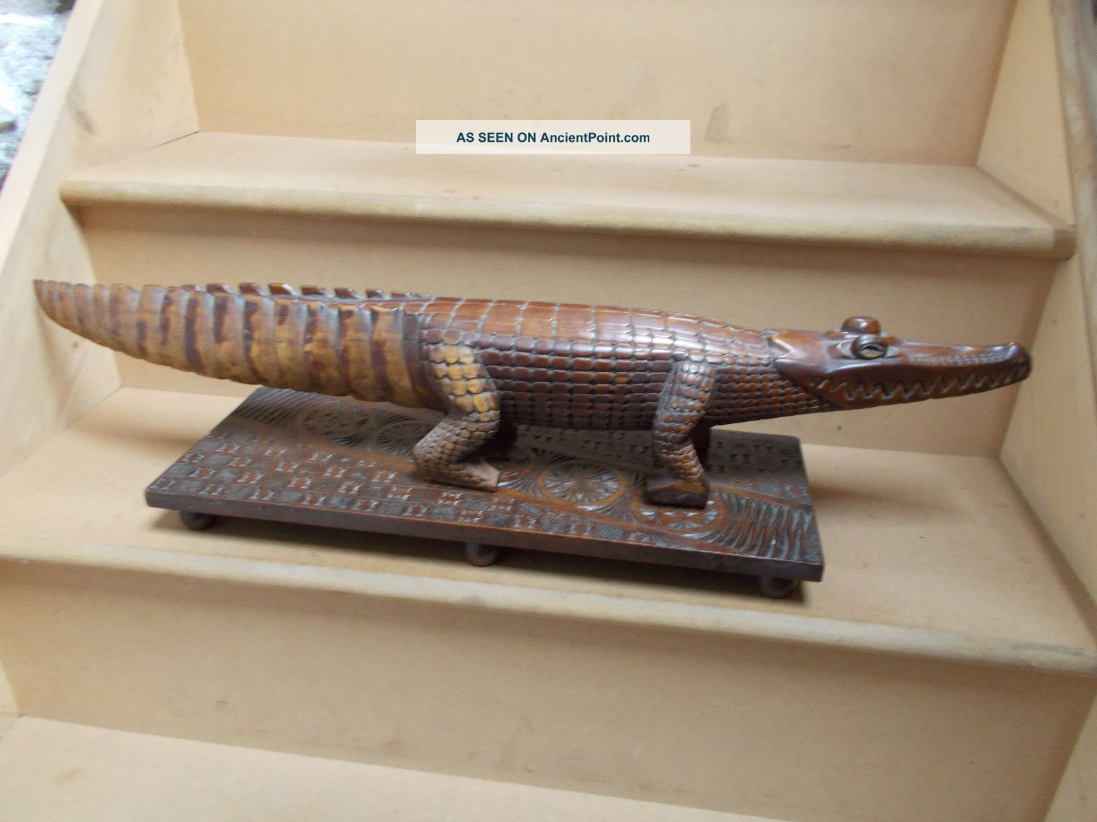 Antique Papua New Guinea Carved Wood Alligator Figure On A Base Pacific Islands & Oceania photo