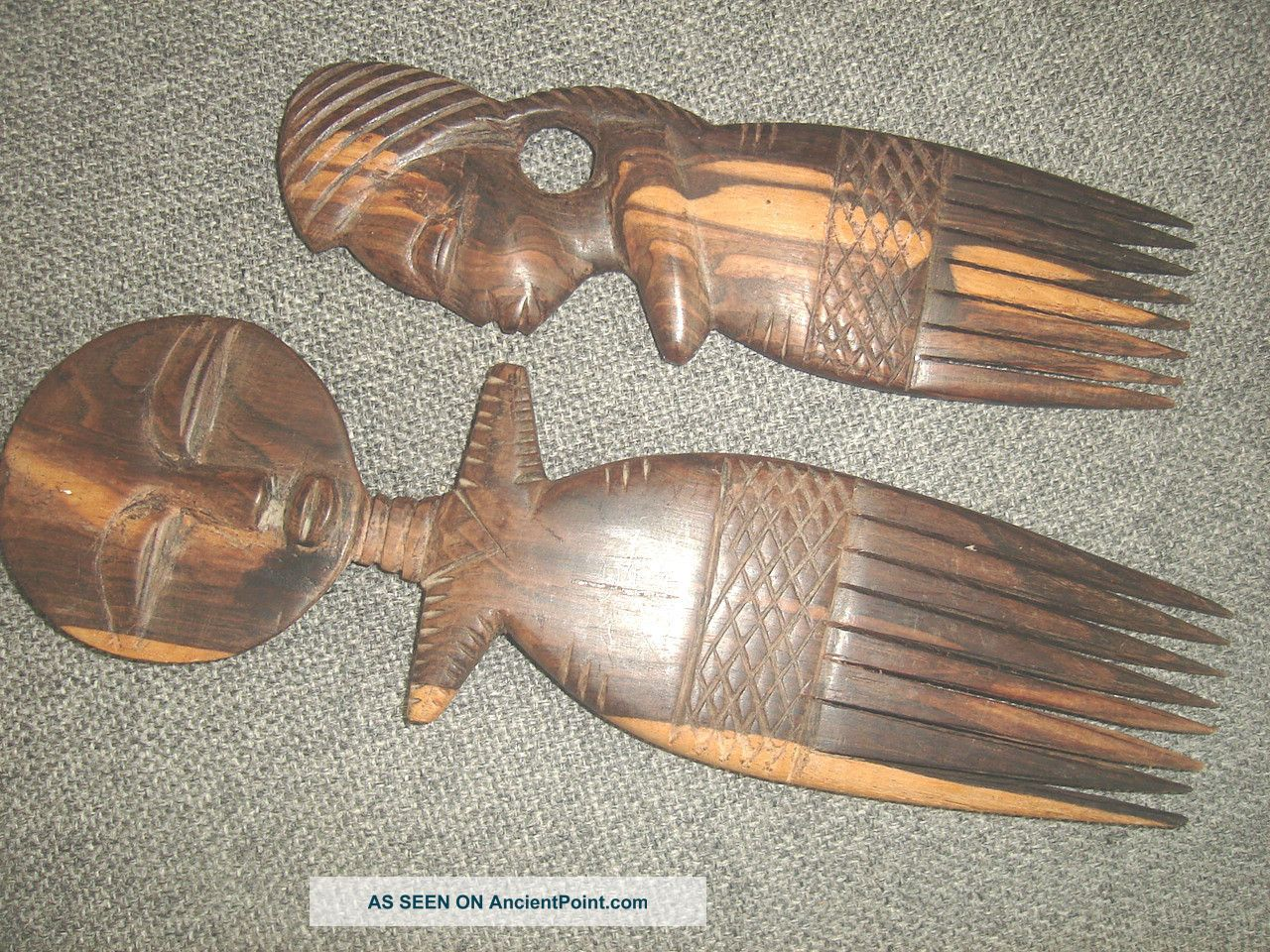 2 Carved Wooden Wall Hanging Tribal Combs 11