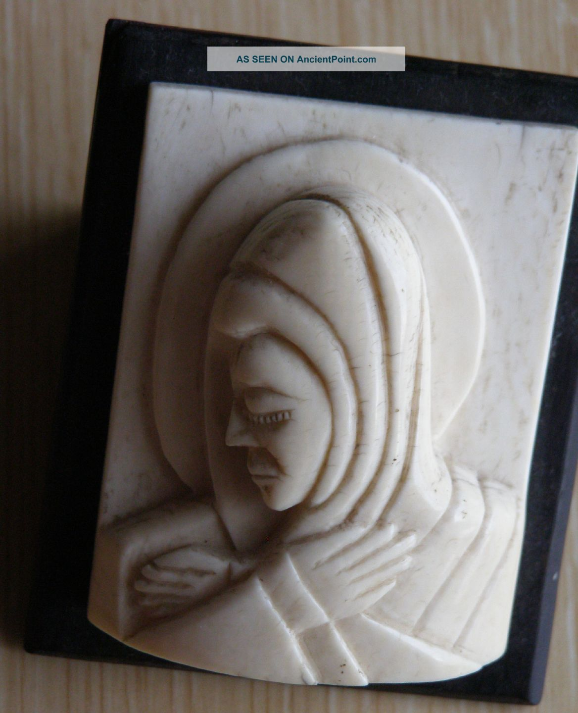 African Faux Ivory Bone Carved Figure Of Saint ' S Head Mounted On Ebony Other photo