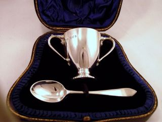 Cased Sterling Silver Egg Cup And Spoon - London 1918 - No Engraving photo