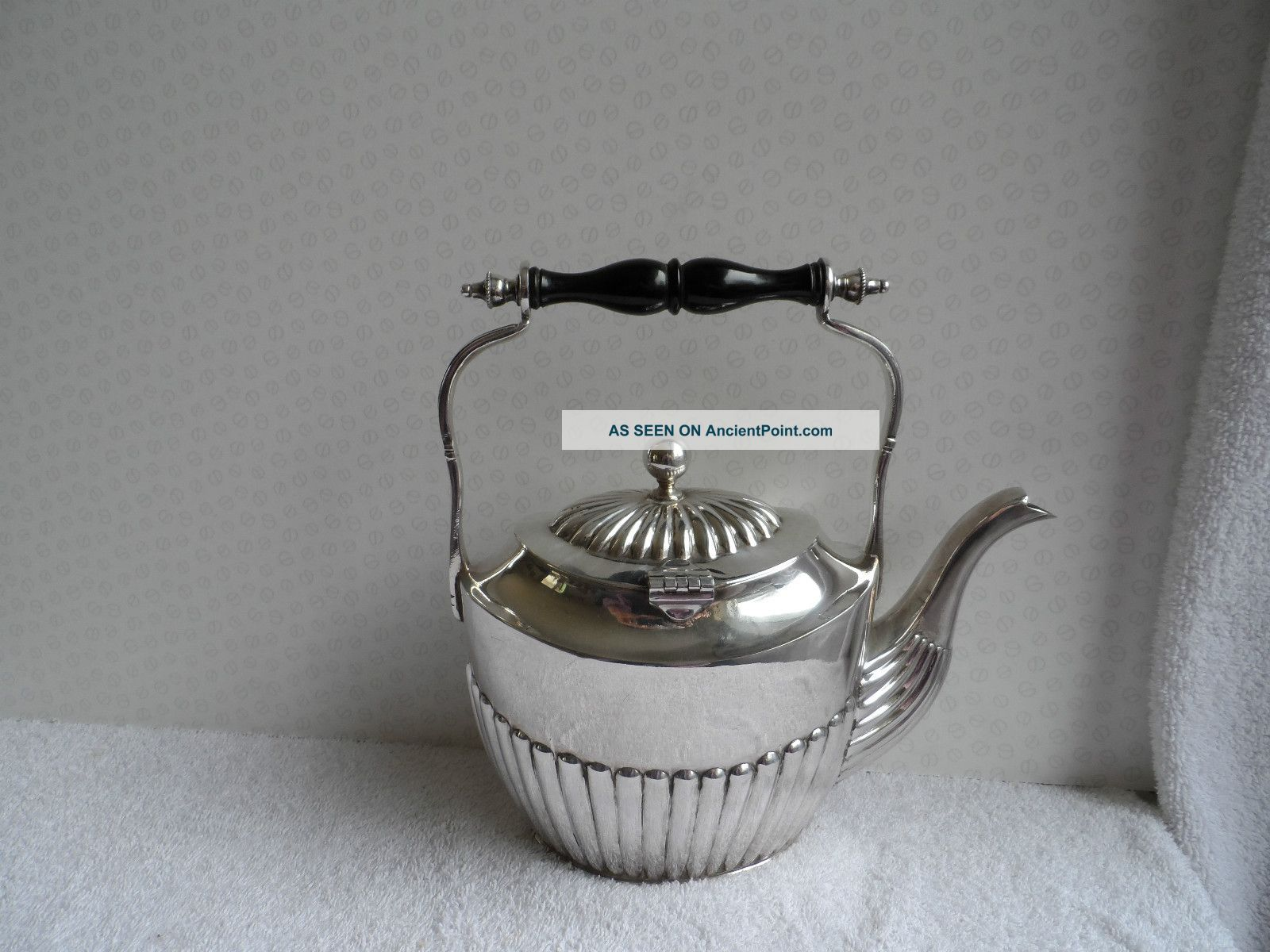 Victorian Silver Plate Kettle In Queen Ann Style Shape. Tea/Coffee Pots & Sets photo