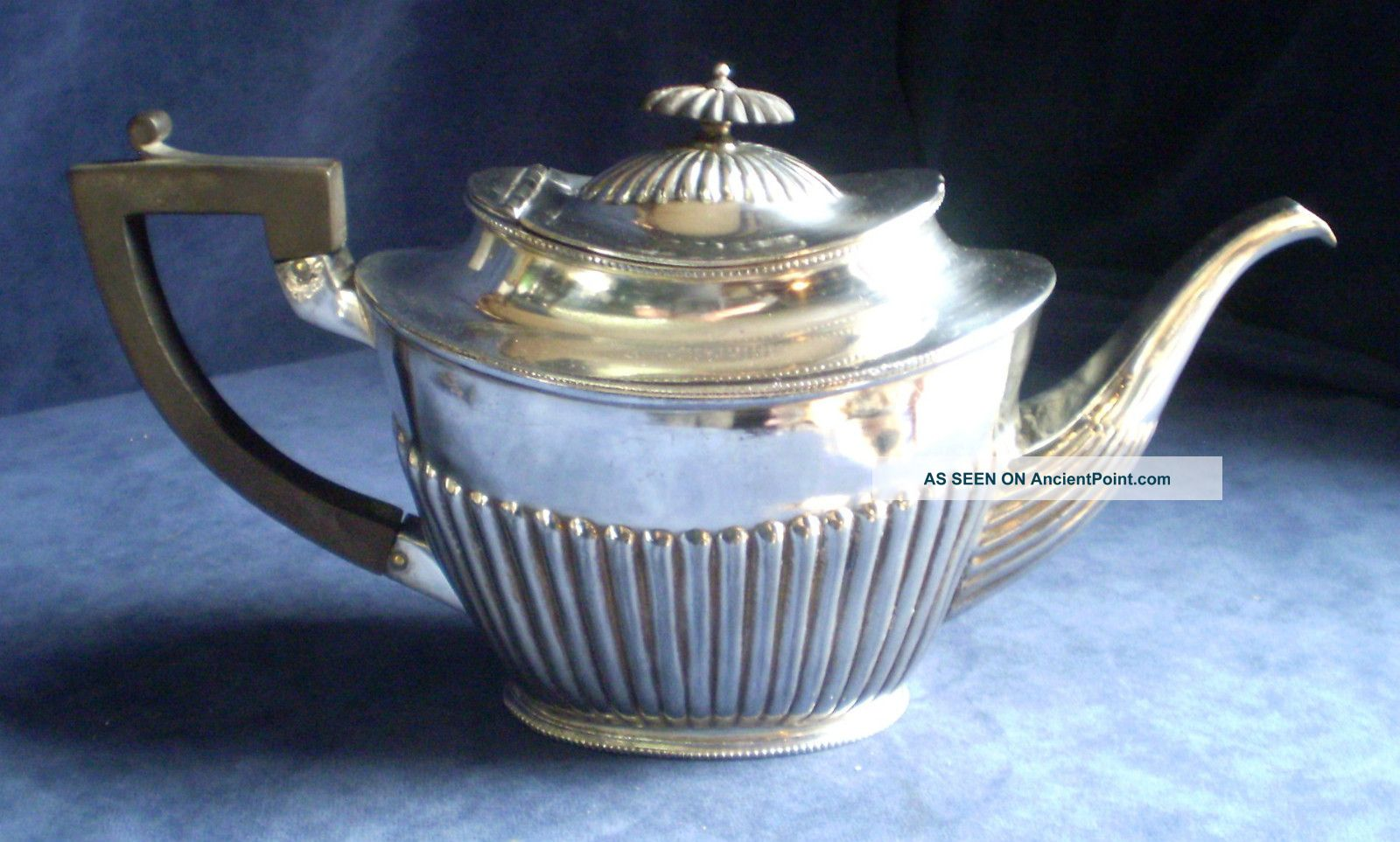Good Large Silver Plated Queen Anne Style Fluted Teapot C1875 Tea/Coffee Pots & Sets photo