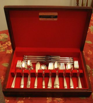 Holmes & Edwards Danish Princess Silverplate Flatware (48) Pcs No Monograms photo