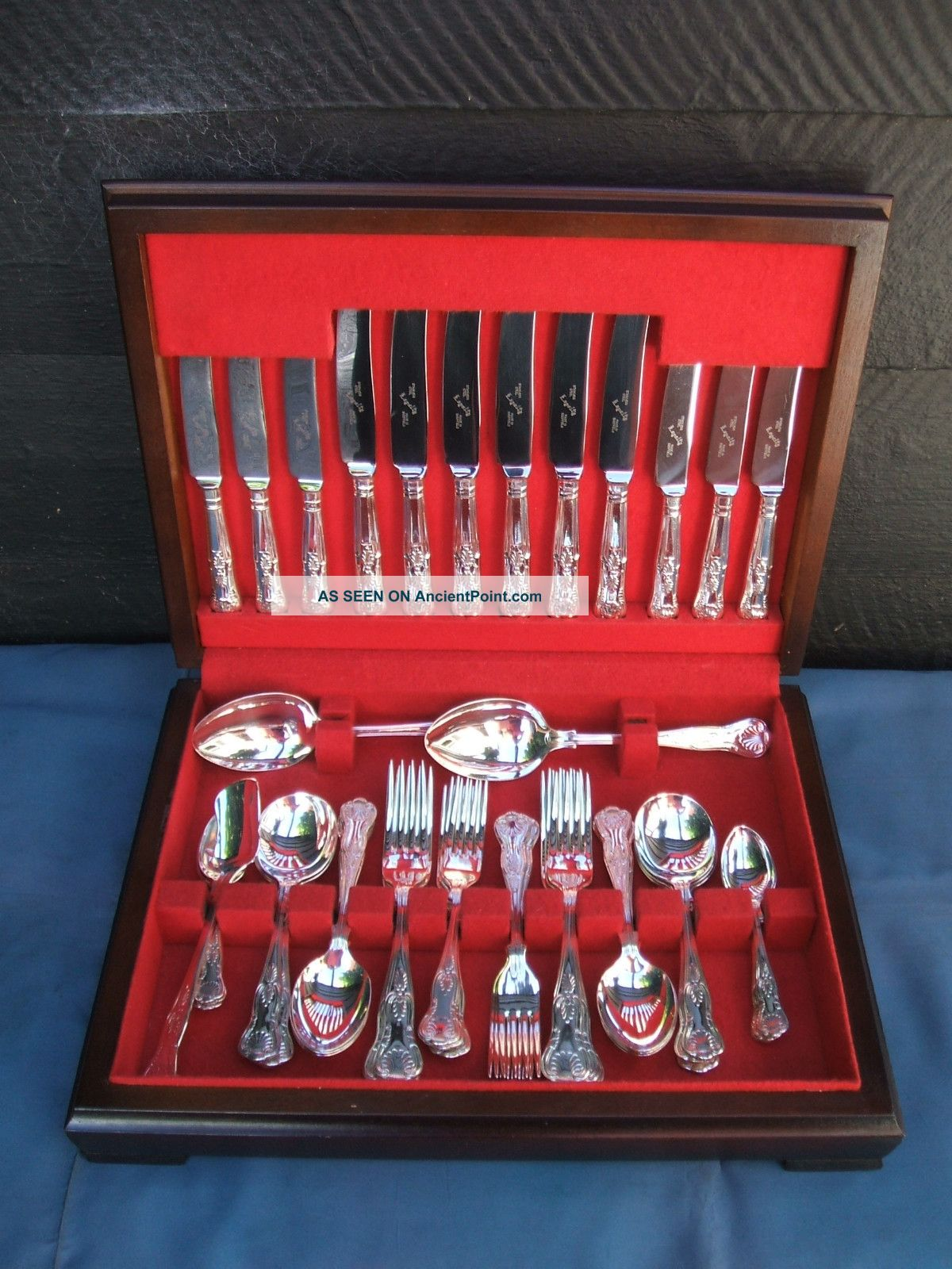 Silver Plate - 44 Piece Vintage Cutlery Canteen - Kings Pattern - Condition Other photo
