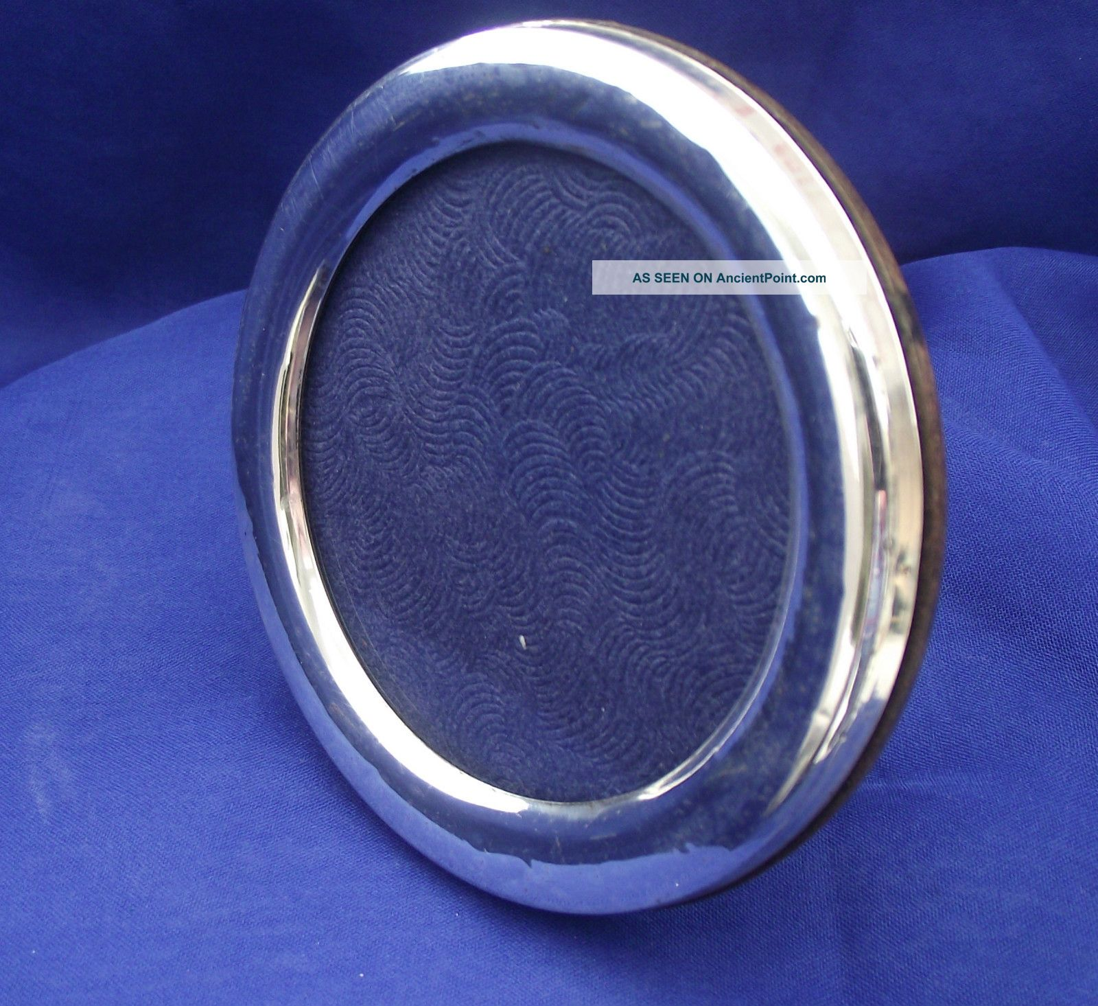 Silver Circular Picture Frame.  Easel Type Stand.  Stamped 925.  (7.  5cm X 5.  5cm) Frames photo