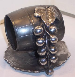 Old Victorian Antique Silver Plate Napkin Ring Wine Barrel Grapes Figural Canada photo