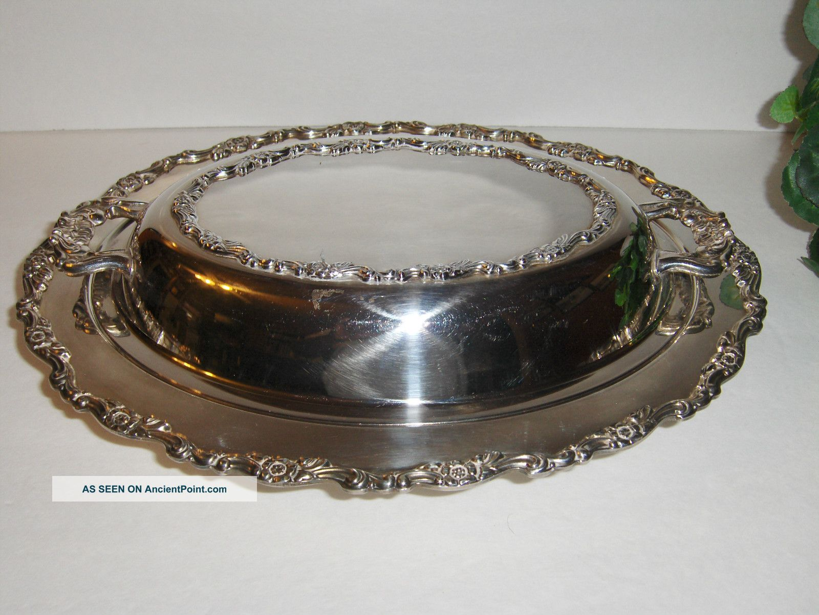 Vintage Wm A Rogers Ornate Silver Plate Covered Serving Dish 12