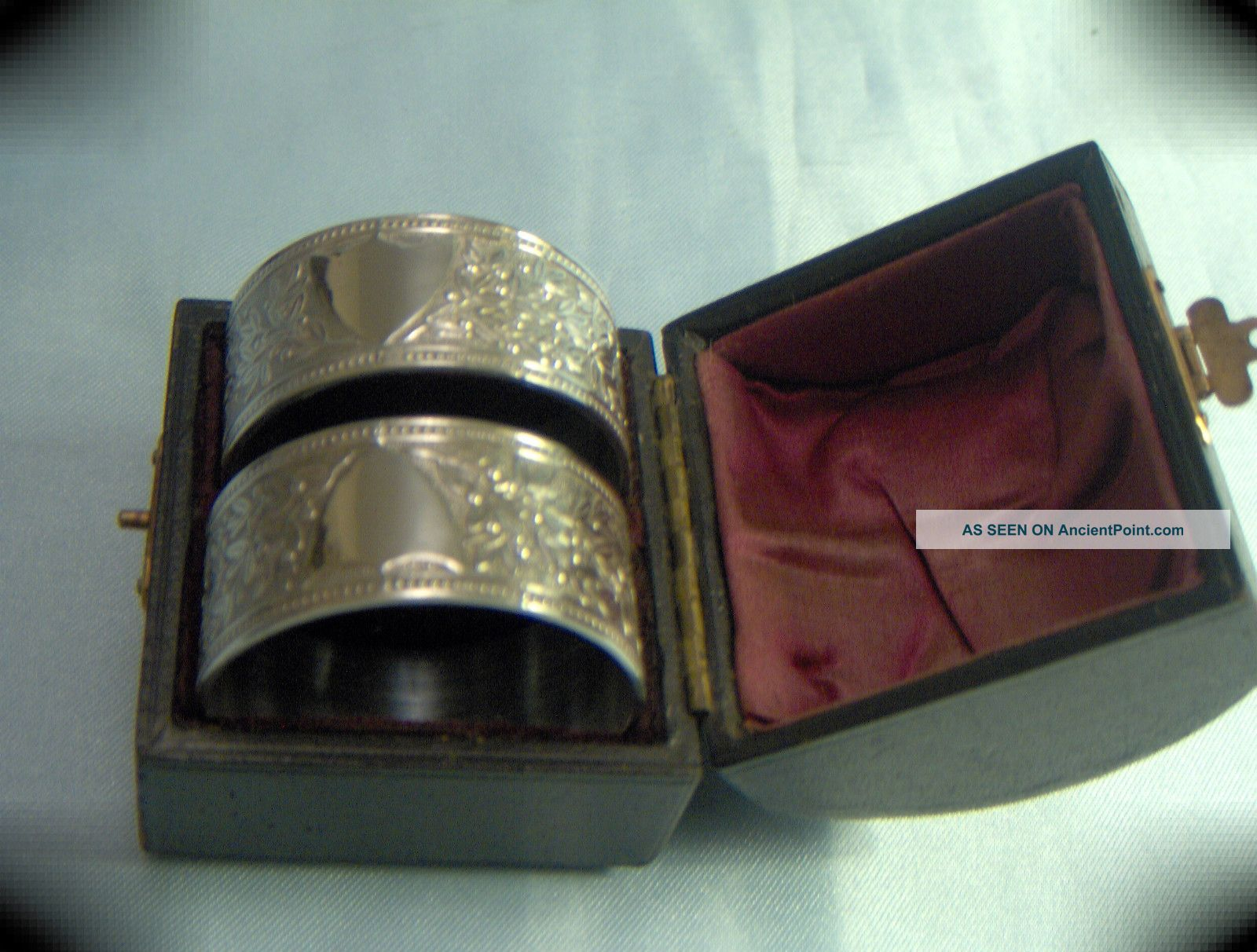 Stunning Victorian Cased Set 2 Silvered Highly Ornate Bright Cut Napkin Rings Napkin Rings & Clips photo
