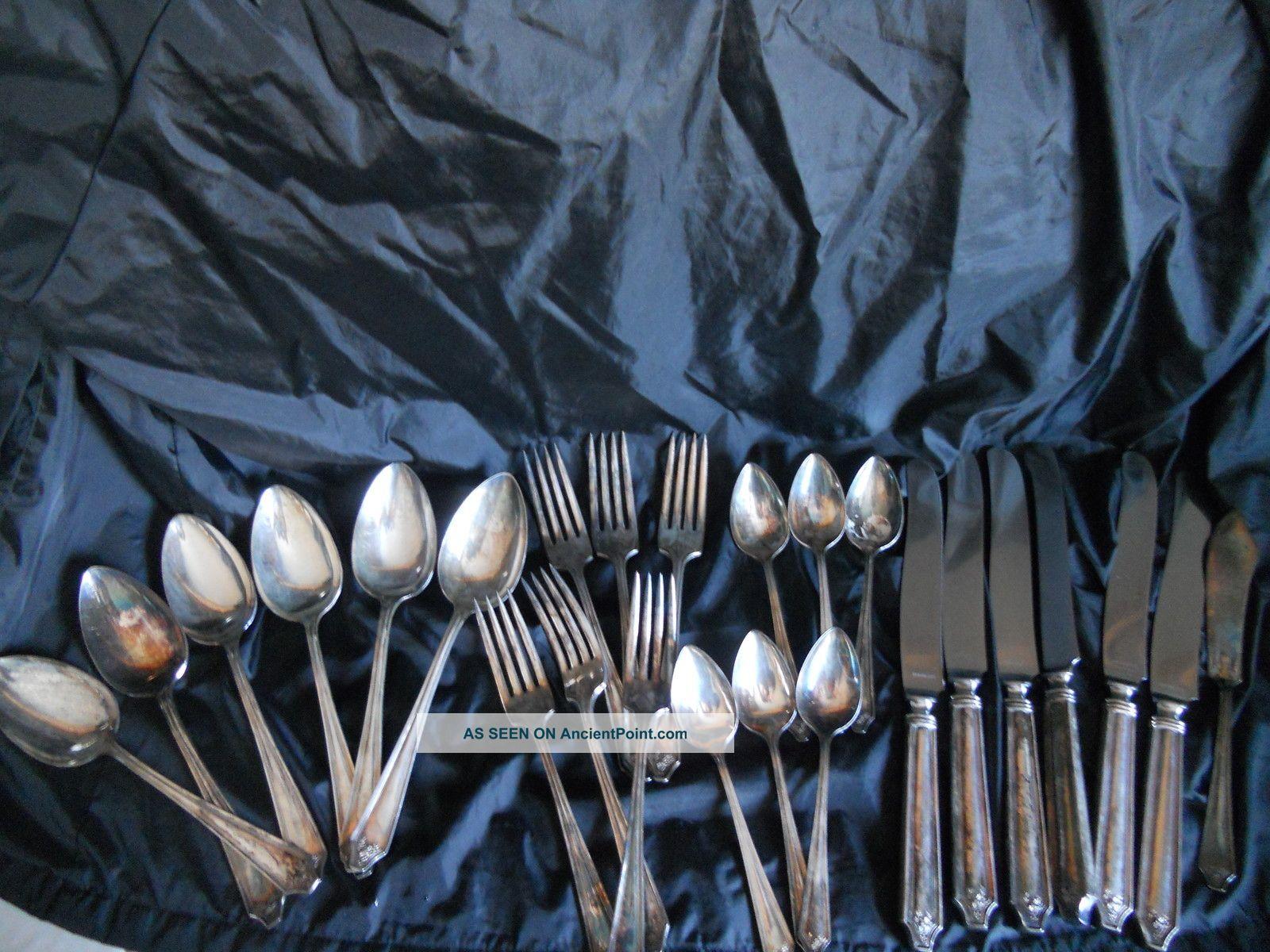 Wm A Rogers 25 - Piece Silverplate Flatware Set Oneida/Wm. A. Rogers photo