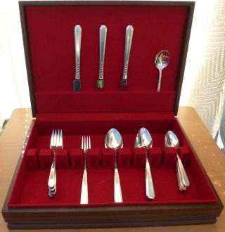 Oneida S.  L & G H Rogers Silverplate Flatware Set,  Carnival,  1937, photo