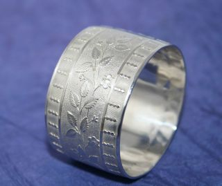 Stunning English Solid Silver Napkin Ring By Charles Horner Chester 1947 photo