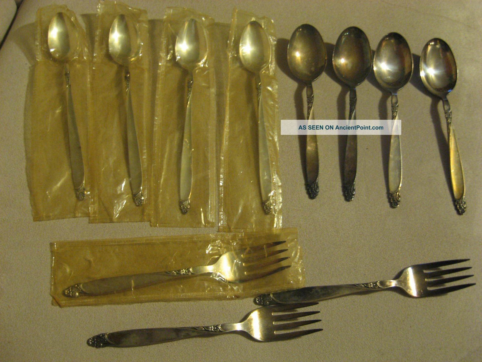 Vintage Oneida Prestige Firelight 1959 Tea Spoons Soup ? Spoons Forks Some New Other photo