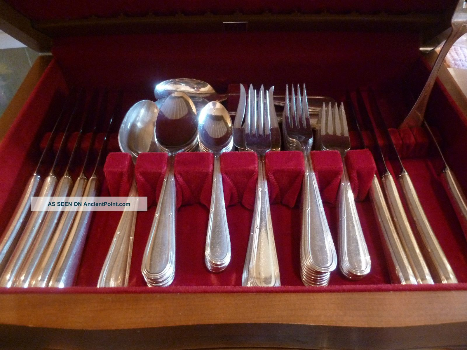 Silver Plate Oneida Silversmiths 5 Piece Service For 9 Plus Serving Pieces Other photo