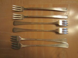 6 Vintage Silver Wm A Rogers Hotel Plate Oneida Ltd Cocktail Seafood Forks photo