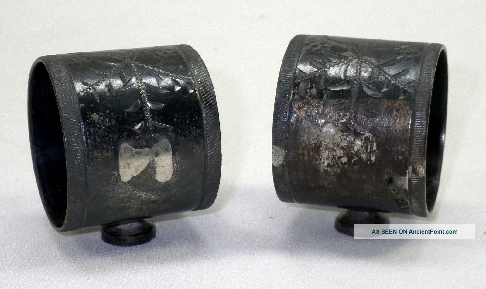 Antique Set Of 2 Silverplate Engraved Ornate Design Footed Napkin Rings Holders Napkin Rings & Clips photo