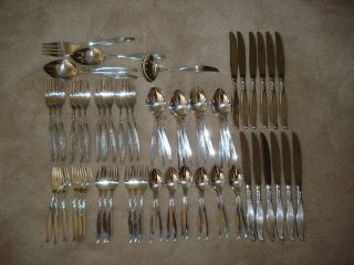 Oneida Community Winsome Silverplate Flatware 65 Pc.  Set With Box photo