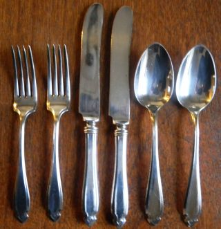 Lot (6) Pieces Wm.  Rogers Oneida Cardinal Silverplate 1920 Knives Forks Spoons photo