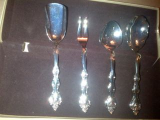 International Silver Co.  Utensil Set Of 4 Silverplated photo