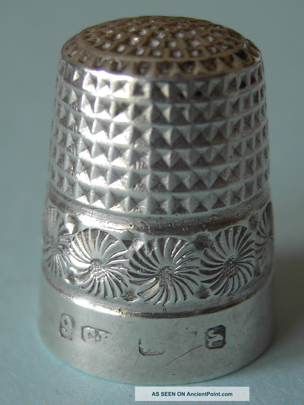1921 Charles Horner Solid Silver Thimble,  Hallmarked Chester Thimbles photo