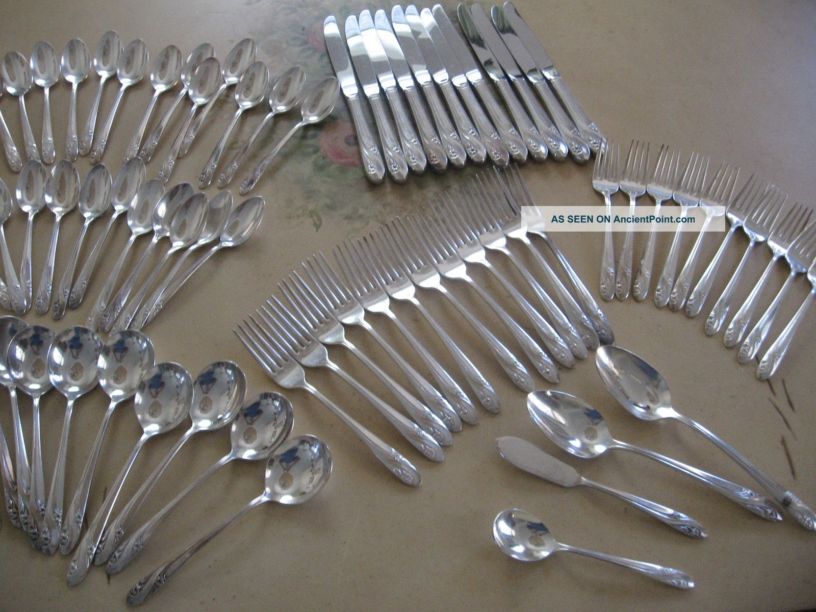 Vintage Holmes & Edwards Romance Silverplate Flatware 74 Pieces Other photo