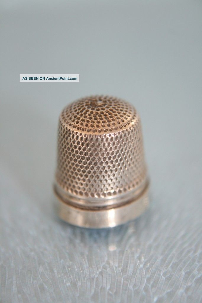 Sterling Silver Chatelaine Tiny Thimble C1900 Thimbles photo