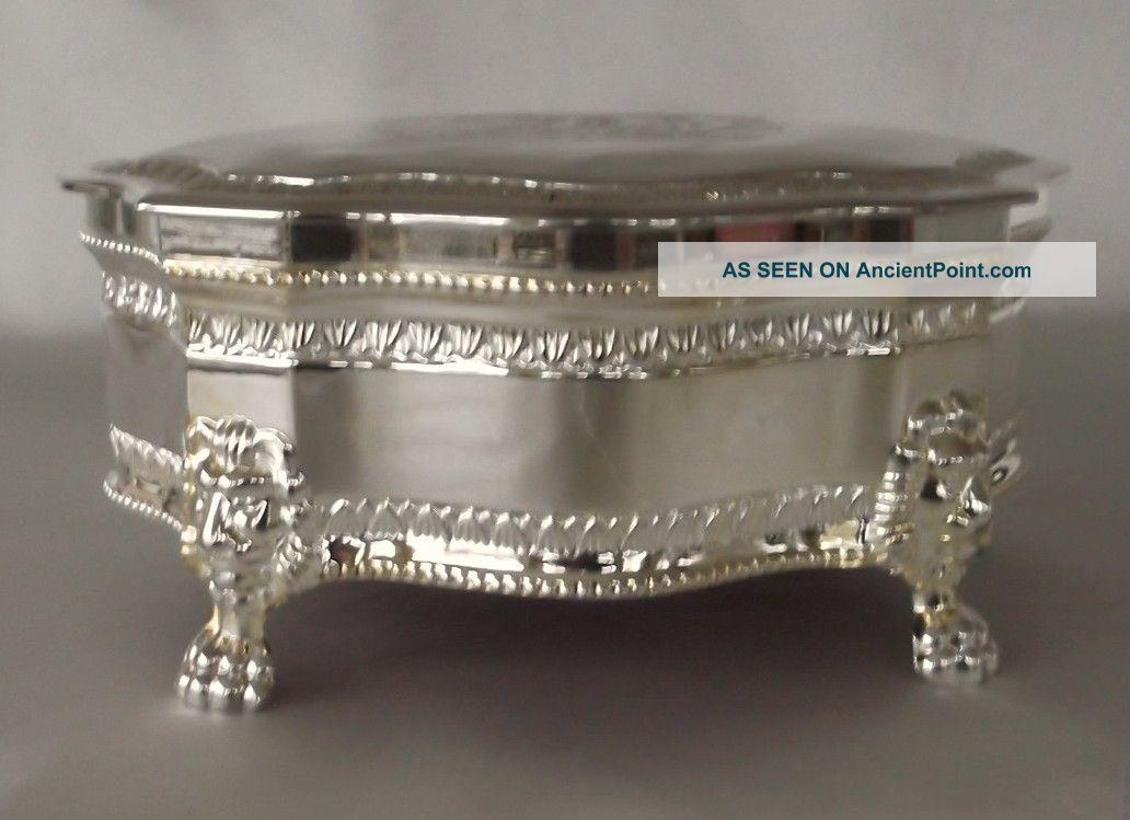Dieu et mon droit 1972 movie tube helpergp for Dieu et mon droit royal crest silver plated jewelry box