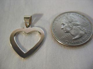 A Pretty Sterling Silver Heart Pendant photo