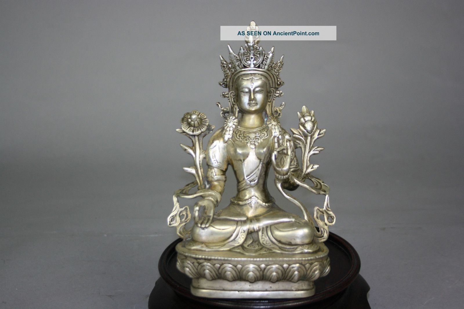 Mid - Qing Dynasty Gilt Bronze Avalokitesvara Sculpture Buddha photo