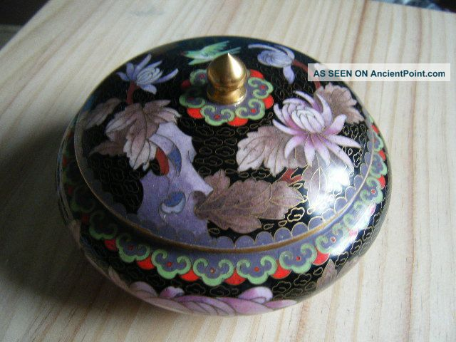 Vtg Cloisonne Lidded Bowl Black Ground Chrysanthemum And Bird Geometric Border Cloisonne photo