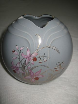 Lovely Fine China Gray Vase W/floral Painting & Gold - Japan - 5
