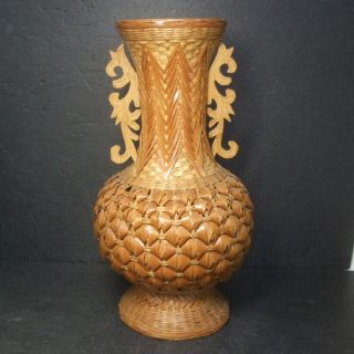 F897: Japanese Stylish Flower Vase With Fantastic Bamboo Knitting photo