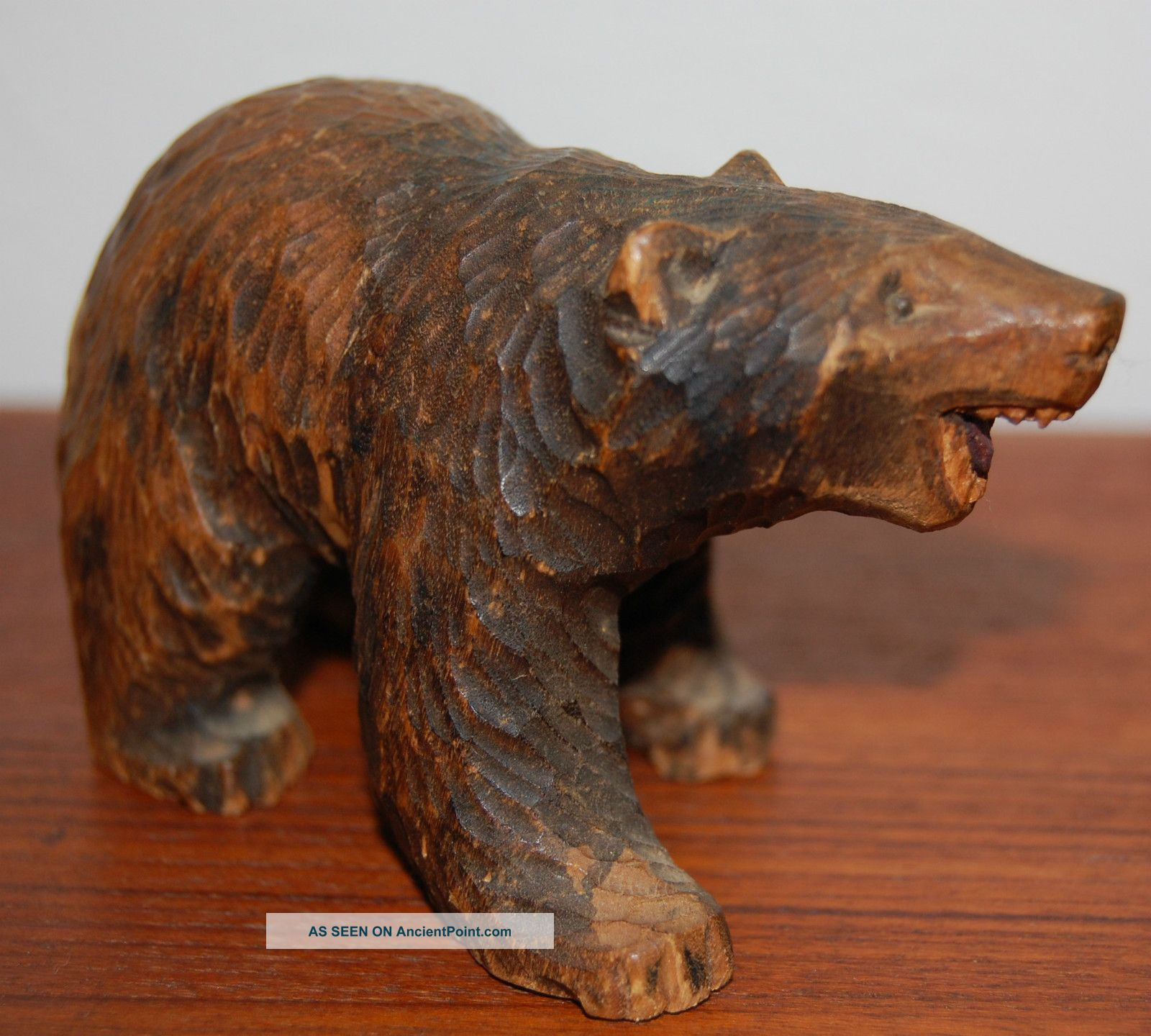 Grizzly Bear Wood Carvings
