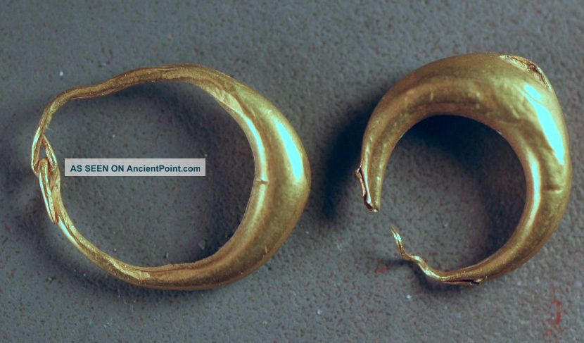 Gold Earrings,  Levantine Iron Age Over 2000 Years Old Nr Near Eastern photo