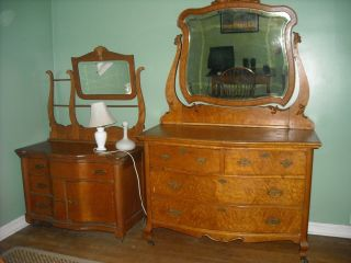 Birdseye Maplevanity And Birdseye Maple Dresser On Castors W/beveled Mirror, photo