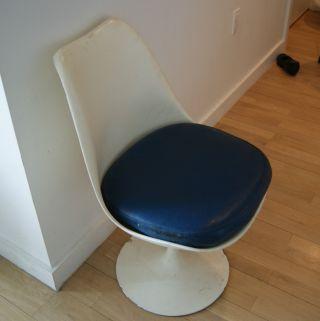 Vintage Saarinen Tulip Chair photo