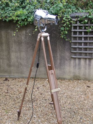 Vintage Theatre Stage Light On Wooden Tripod Retro Loft Industrial Atelier Lampe photo