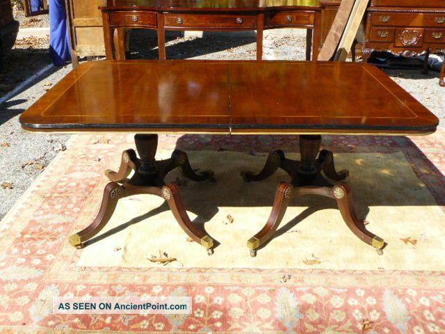 Dining Table Antique Federal Dining Table : antiquekittingerfederalstylebandedmahoganybanquetdiningtable3lgw from choicediningtable.blogspot.com size 640 x 480 jpeg 64kB