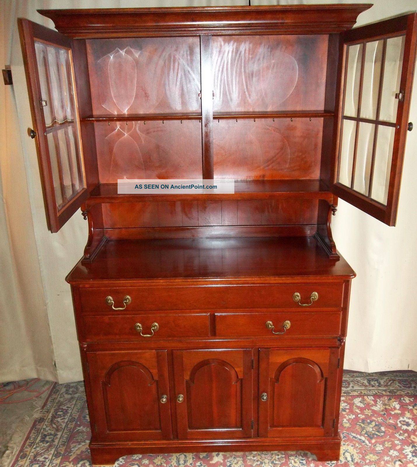 Vintage Pennsylvania House/ Mt Vernon Style Cherry China Cabinet/ Hutch /cupboard