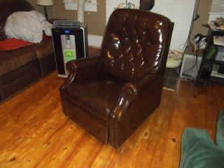 Classic Antique Leather Reclining Chair - Vintage Recliner - - Local photo