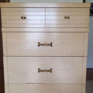Mid Century Modern Blond Mahogany Dresser. 4 Drawers, Solid Wood, Good  Condtion.