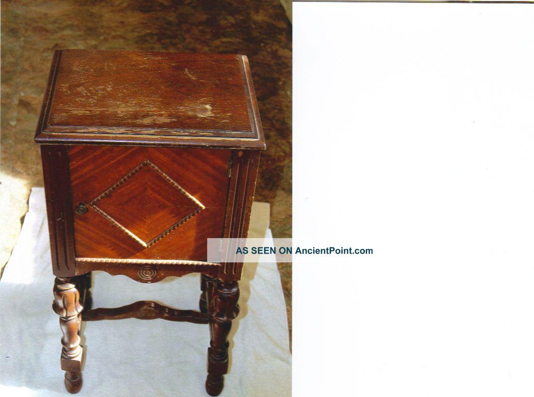 Smoker ' S Cabinet 1900-1950 photo