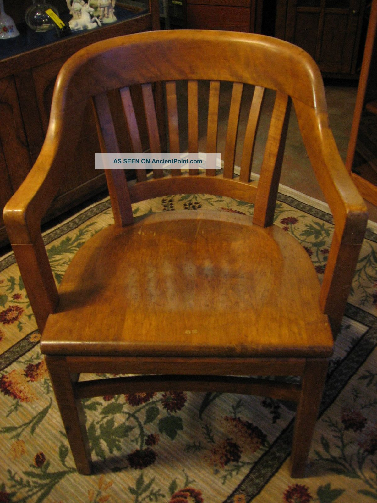 1958 Gunlocke Wooden Court/office Chair.  Brass Medallion.  Great Comfort & Style Post-1950 photo