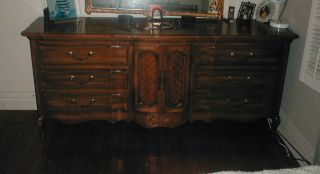 Dresser antiques - Thomasville mahogany collection bedroom ...