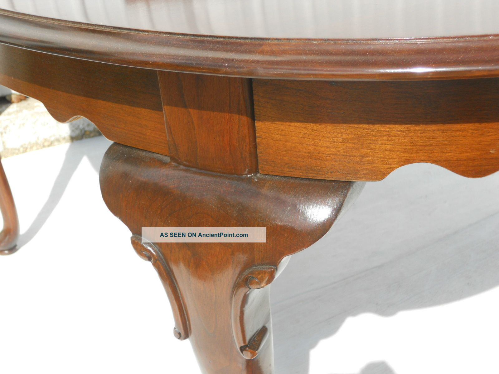 Ethan Allen Queen Anne Dining Table