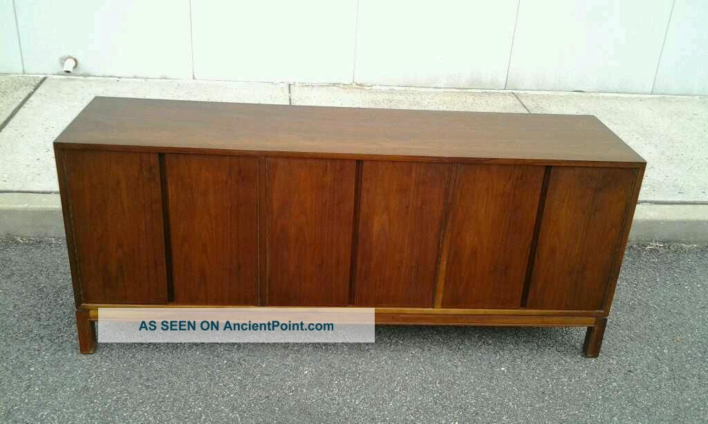 1960 ' S Mid - Century Modern Long Walnut Credenza Post-1950 photo